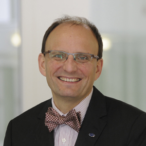 Dr. Wolfgang Neumann | Vorstand Chief Medical Officer